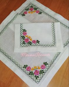 1 million+ Stunning Free Images to Use Anywhere Modern Embroidery, Crewel Embroidery, Dining Table Cloth, Free To Use Images, Evening Dresses Plus Size, Bargello, Cross Stitch Flowers, Cross Stitch Designs, Quilts