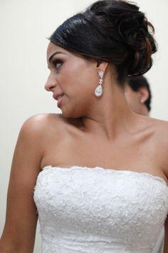 Minimalist bride, me