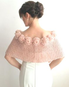 Newest Pic Crochet flowers ideas Thoughts Mohair Wrap Braut Capelet Rose Cape Champagner Schal Hochzeit Poncho Winterhochzeit Häkelblume Cap Poncho Au Crochet, Crochet Scarves, Crochet Clothes, Crochet Baby, Knit Crochet, Bridal Shrug, Bridal Cape, Free Knitting, Knitting Patterns
