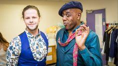Jay e Ainsley Hariot nos bastidores do Strictly Come Dancing. (via @Xanthe_Jarman)