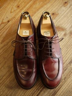 Paraboot CHAMBORD in Horween shell cordovan Red Wing Boots, White Boots, Formal Shoes, Casual Shoes, Modern Fashion, Mens Fashion, Cordovan Shoes, Men's Shoes, Dress Shoes