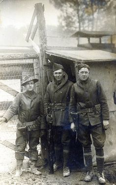 World War One, unnamed group of soldiers, France. ww1photos .org