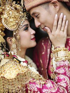 Putri Titian dan Junior Liem Sweet  Romantic Wedding
