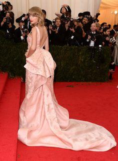 Taylor Swift at the MET BALL 2014 in an Oscar de La Renta gown