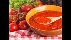 A good Homemade Greek Tomato Sauce can be used in many ways. Make a big batch of this delicious tomato sauce and have it on hand whenever you need it. #tomatosauce Chicken Tomato Soup, Canned Tomato Soup, Tomato Juice, Recipe Using Tomatoes, How To Make Tomato Sauce, Marinara Recipe, Easy Homemade Pizza, Gluten Free Soup, Vegetarian Curry