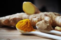 5 Important Benefits of Curcumin. Curcumin is an active primary component found in turmeric, a popular cooking spice and superfood. Turmeric Facial, Turmeric Tea, Turmeric Spice, Turmeric Plant, Turmeric Recipes, Tumeric Face, Turmeric Curcumin, Food Recipes, Yogurt