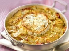 Gratin normand pommes de terre lardons crème oignons ail camembert