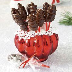 Försvinnande goda och sega chokladkola-klubbor med smält choklad. Homemade Sweets, Homemade Candies, Swedish Recipes, Chocolate Art, Christmas Desserts, Caramel Apples, Fudge, Xmas, Christmas Time