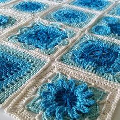 crochet motifs | poppyandbliss Crochet Square Patterns, Crochet Squares, Crochet Motif, Easy Crochet, Knitting Patterns, Granny Squares, Crochet Bunting, Afghan Patterns, Crochet Videos