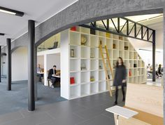 Hill+Knowlton's Clerkenwell office by BDG