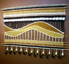 Dare I dream to make something like this? Weaving Projects, Weaving Art, Tapestry Weaving, Loom Weaving, Hand Weaving, Woven Wall Hanging, Tapestry Wall Hanging, Wall Hangings, Yarn Crafts