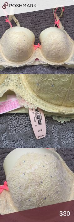 Yelllow Victoria secret lace bra 34 DD Yellow lace Victoria secret bra size 34 DD. Tags still attached & has never been worn. In absolute perfect condition. Not looking to trade anything or take any offers so please don't ask. Just looking to sell. Everything in my shop comes gift wrapped & usually ships the same day. Victoria's Secret Intimates & Sleepwear Bras