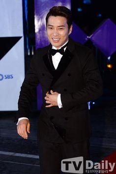 Photo by javabeansdb Asian Guys, Asian Men, Birth Of A Beauty, Cunning Single Lady, Joo Sang Wook, Star Awards, Seo Joon, Korean Star, Good Doctor