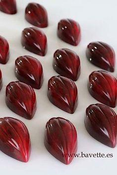 Cocina – Recetas y Consejos Chocolate Work, Chocolate Sweets, Valentine Chocolate, Chocolate Factory, How To Make Chocolate, Chocolate Truffles, Chocolate Fudge, Chocolate Lovers, Chocolate Recipes