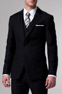 Shop for custom men's wedding suits and tuxedos. Find information on wedding suits & tuxedos for the best man, the groomsmen & the whole wedding party. Book an appointment for your wedding party to visit an INDOCHINO showroom and create your custom suits. Three Piece Suit, 3 Piece Suits, Men's Suits, Sharp Dressed Man, Well Dressed Men, Looks Style, My Style, Moda Formal, Bespoke Suit