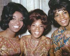 Photo of Martha REEVES and Martha REEVES + The Vandellas and Annette BEARD and Rosalind ASHFORD; Posed group portrait - Annette Beard, Rosalind Ashford and Martha Reeves, Get premium, high resolution news photos at Getty Images Old Music, Music Tv, 1970s Music, Berry Gordy, Pop Hits, The Golden Years, Black Actors, Pop Rock Bands, Music Images