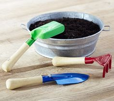 Have the kids help in the garden with this Set of 3 Gardening Tools!
