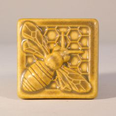 X Honey Bee Tile By Pewabic Pottery In Detroit Honeycomb , x honey bee-fliese durch pewabic-tonwaren in der detroit-bienenwabe , , ceramic pottery How To Make Azulejos Art Nouveau, Art Nouveau Tiles, Pewabic Pottery, Pottery Art, Clay Tiles, Art Tiles, Ceramics Tile, Cement Tiles, Mosaic Tiles