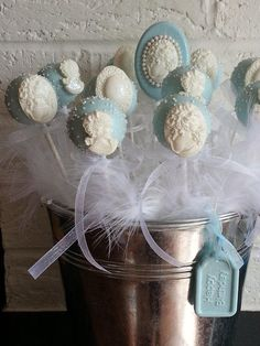 Beautiful Chocolate cakepops for wedding favors xx