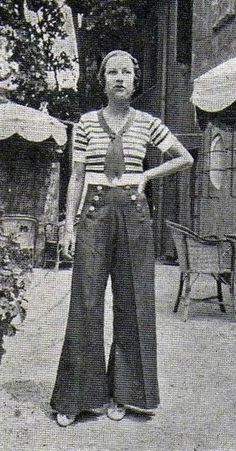 Sailor pants and striped jersey: style Vintage Outfits, Vintage Pants, Timeless Fashion, Retro Fashion, Vintage Fashion, Style Année 20, 1930s Style, Vintage Sailor, Sailor Outfits
