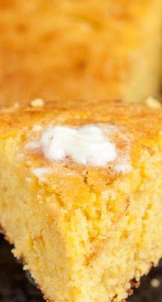 Sweet Honey Cornbread - Chew Out Loud - Bread Recipes Creamed Corn Cornbread, Honey Cornbread, Homemade Cornbread, Skillet Cornbread, Homemade Breads, Cream Corn Cornbread Recipe, Cornbread Recipe From Scratch, Cornbread Cake, Classic Cornbread Recipe