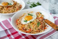 Mihoen goreng Food And Drink, Low Carb, Pasta, Dinner, Ethnic Recipes, Indian, Low Carb Recipes, Dining, Noodles