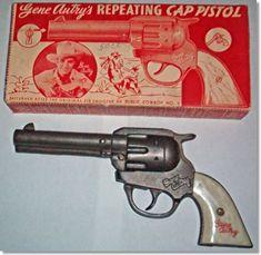 Klappertjespistool 'alleen voor jongens' Cap gun, only for the boys back then. My Childhood Memories, Sweet Memories, Childhood Toys, Retro Toys, Vintage Toys, 1970s Toys, Vintage Stuff, Nostalgia, Into The West