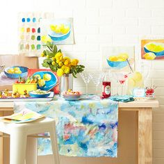 Parties are better with color! Entertain your guests with painting, snacks and cocktails.