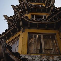 Take a look at this #Chinatown architecture, shared with us by follower @caliwinter! We love seeing your many views of #SoCal. Keep sending them our way! #NBC4You