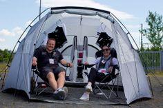 Unsere beiden Gewinner Cliff und Katrin in ihrem VIP-Zelt