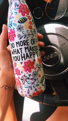 Super cute water bottle/ love all Swell bottles though What Makes You Happy, Are You Happy, I Need Vitamin Sea, No Bad Days, Drinking Tea, Little Things, At Least, Artsy, Girly