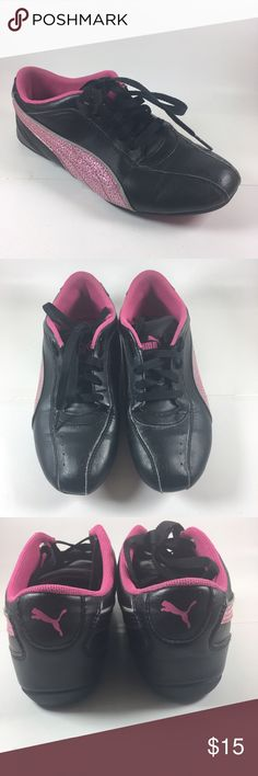 Black and pink kid puma sneakers size 3 Puma kid running shoes size 3 Shoes Sneakers