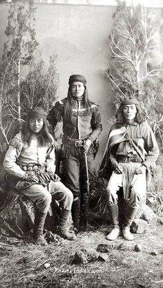 White Mountain Apache man, Peaches (Penaltish or Tzoch), and San Carlos scouts, who served the U.S. military in the 1883 Apache Campaign to the capture the Chiricahua band. 1885. Photo by Frank A. Randall. Source - Denver Public Library.