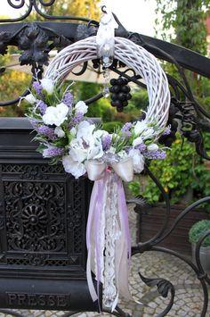 Wianek z kwiatów z kryształkami -lawenda,dekoracje do domu,restauracji,pomysł na prezent