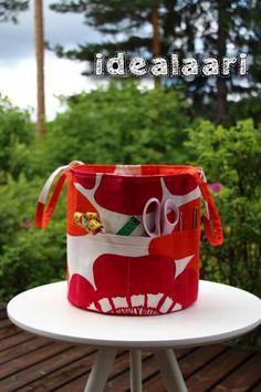 IdeaLaari - Fabric basket tutorial with a coffee-inspirated twist Fabric Basket Tutorial, Purses And Bags, Knit Crochet, Mugs, Sewing, Knitting, Tableware, Diy, Crocheting