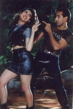 Salman & Lolo in Judwaa Bollywood Outfits, Bollywood Couples, Bollywood Actors, Indian Actresses, Actors & Actresses, Neetu Singh, Movie Teaser, National Film Awards, Karisma Kapoor