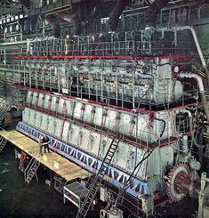 Op de proefstand: Scheepsdiesel BW12K84EF Marine Engineering, Mechanical Engineering, Marine Diesel Engine, Tanker Ship, Boat Engine, Merchant Marine, Naval History, Race Engines, Heavy Machinery