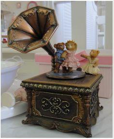 Resultado de imagem para caixa musical bailarina Ovos Fabergé, Caixa De  Música, Coisas Bonitas 059e818ed5