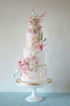 very beautiful wedding cakes for your happy wedding 6 Pretty Wedding Cakes, Luxury Wedding Cake, Floral Wedding Cakes, Wedding Cakes With Flowers, Elegant Wedding Cakes, Floral Cake, Beautiful Wedding Cakes, Wedding Cake Designs, Pretty Cakes
