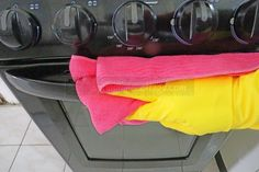 cleaning tips hacks are readily available on our internet site. Read more and you wont be sorry you did. Diy Home Cleaning, Household Cleaning Tips, Deep Cleaning Tips, Oven Cleaning, Bathroom Cleaning, House Cleaning Tips, Diy Cleaning Products, Cleaning Solutions, Cleaning Hacks