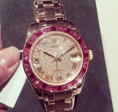 Diamond Watches Ideas : This Rolex with Pink! ♥ - Watches Topia - Watches: Best Lists, Trends & the Latest Styles Cute Watches, Watches For Men, Luxury Watches, Rolex Watches, Diamond Watches, Dream Watches, Beautiful Watches, Fashion Watches, Bracelet Watch