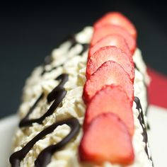 Dishing up Nirvana: Pyramidal Cheesecake Cream Cheese Frosting, Nirvana, Biscuits, Steak, Cheesecake, Yummy Food, Dishes, Desserts, Recipes