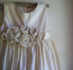 LOVE these flower girl dresses!