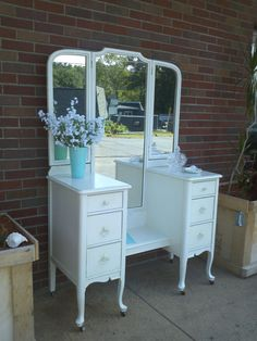 Superieur Circa 20u0027s Antique White Vanity Dressing Table Salvaged Shabby Chic  Distressed Refinished WHAGN