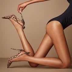 Flattering Deneuve Bow Pointy Toe Pumps With Cut-Out Sides Hot Heels, Sexy High Heels, High Heels Stilettos, Leopard Fashion, Fashion Heels, Beautiful High Heels, Beautiful Legs, Aquazzura, Long Legs