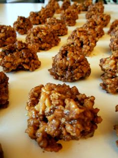 Reese's Peanut Butter Cup Rice Krispies Treats | Six Sisters' Stuff