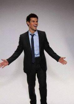 Taylor Lautner - Mary Ellen Matthews Photoshoot for Saturday Night Live 2009 Beautiful Men, Beautiful People, Why I Love Him, Im Single, Taylor Lautner, Jacob Black, Saturday Night Live, Celebs, Celebrities
