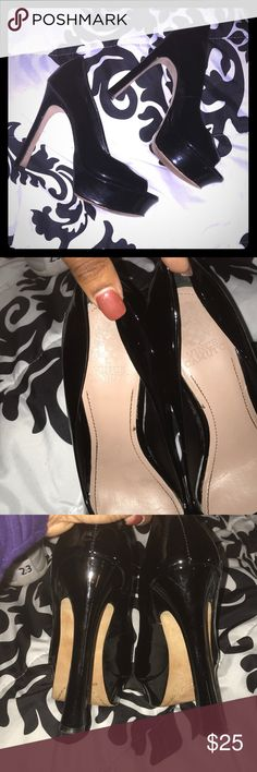 Black Patent leather Vince Camuto size 8 heel Size 8 black peep toe heels. In GOOD condition. Haven't worn in years! Vince Camuto Shoes Heels