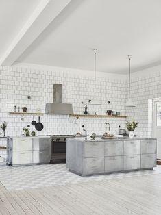 Kajsa Magdalena - Page 5 of 20 - Just Wanna Have Fun Kitchen Wall Tiles, Kitchen Dining, Semi Open Kitchen, Loft House, Cottage Kitchens, Stainless Steel Kitchen, Interior Architecture, Interior Design, Kitchen Interior