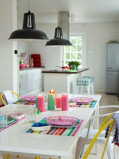 colourful styling / white kitchen